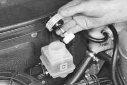 Замена рабочей жидкости в тормозной системе