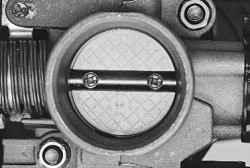 Проверка и регулировка троса привода дроссельной заслонки
