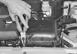 Снятие и установка воздушного фильтра