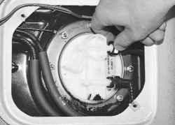 Снятие и установка топливного насоса